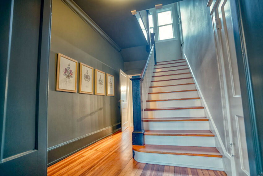 staircase_hdr